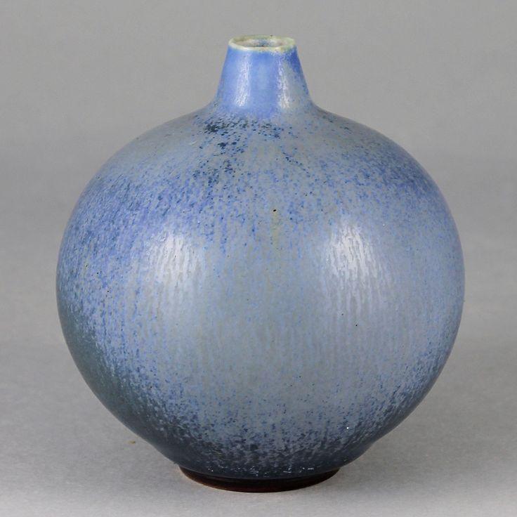Berndt Friberg (1940s) Unique Swelling Blue Haresfur Vase