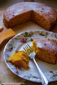Jak widać, dynia zagościła u nas na dłużej. Dziś pyszne, wilgotne i aromatyczne ciasto dyniowe :-) Świetne do popołudniowej kawy lub herbat...