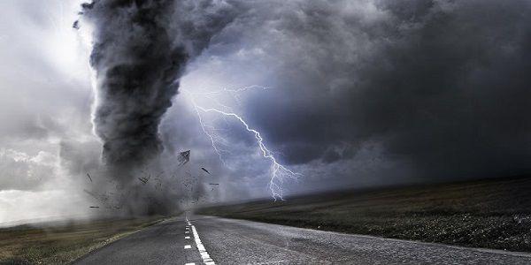 Οι θύελλες σαρώνουν τη χαρτοκοπτική