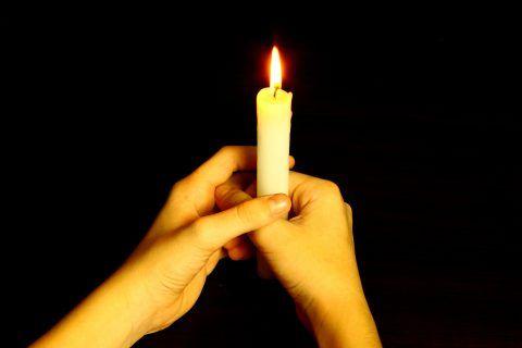Определение порчи свечой