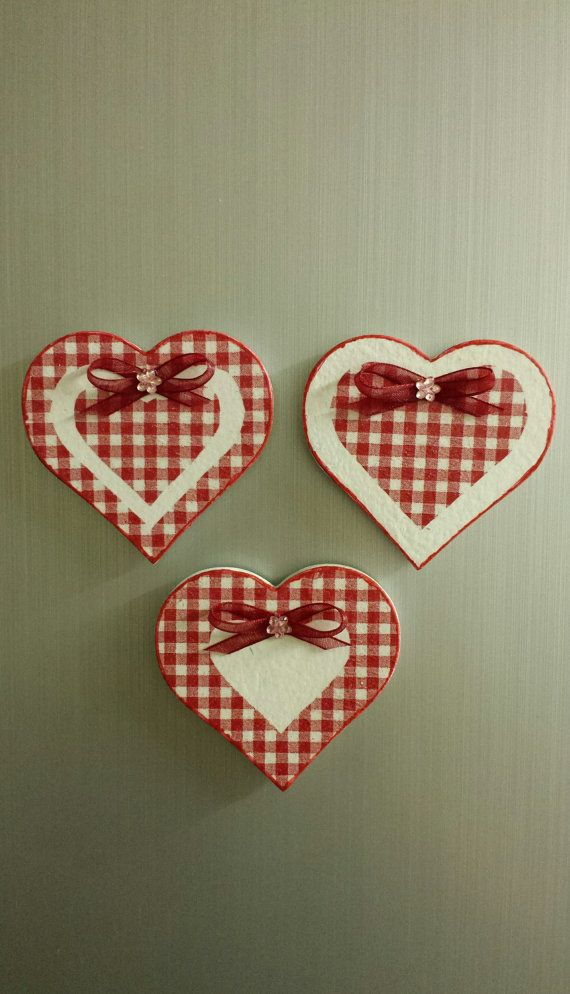 Set of 3 Handmade Heart Shaped Decoupage por WorldOfHandcraft, £5.00
