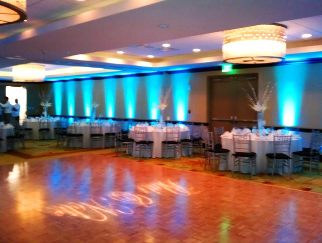 cyan blue uplighting at the wyndham hotel in deerfield beach - Cyan Hotel Decorating