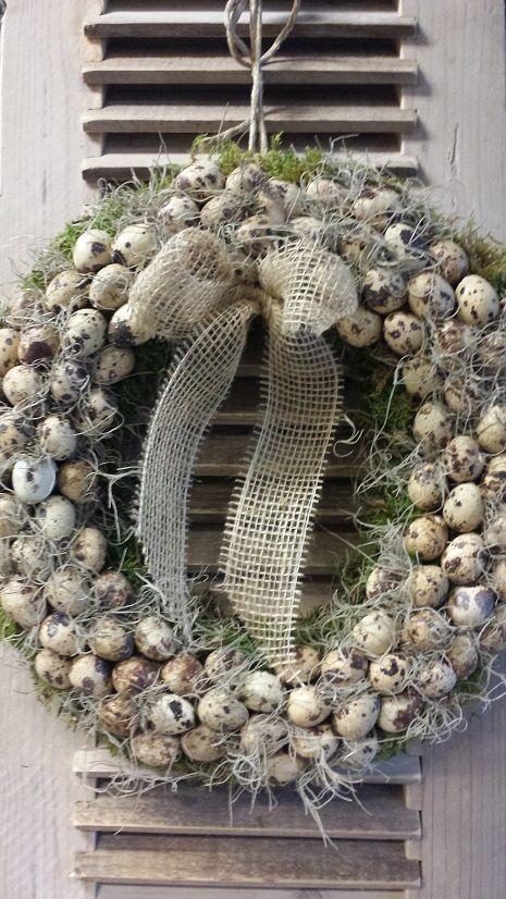 Paaskrans, krans van Kwartel-eitjes, mos en tillandsia , Handmade by GoedGevonden / Koog aan de Zaan