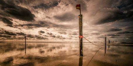 Erkunden Sie das Wattenmeer – zu Fuß oder mit dem Kajak ►►  Freuen Sie sich auf eine Entdeckungsreise durch das atemberaubende Wattenmeer der Norderney. Lassen Sie sich von Einheimischen der Insel bei den geführten Wander- und Kajak-Touren das Norderneyer Watt zeigen und erfahren Sie interessante Informationen zum Nationalpark Niedersächsisches Wattenmeer.