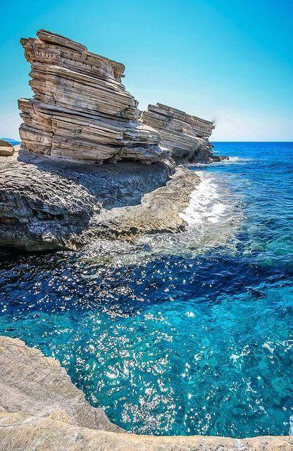 Triopetra, Crète - Grèce - Éschyle : C'est un penchant inné chez les mortels de piétiner celui qui est tombé. È nella natura dei mortali calpestare ancora di più chi è caduto.