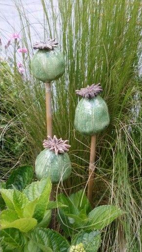 Ceramic poppy seeds