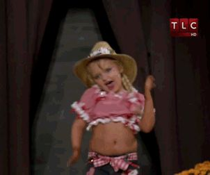 wallisb: this has been making me laugh for the last 5 minutes  This just gets better the longer you watch it. Old school Honey Boo Boo.