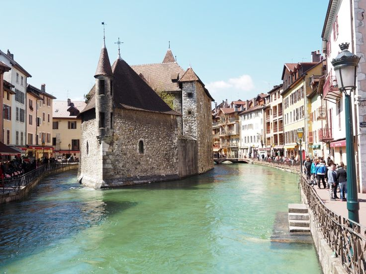 Annecy Town In Southeastern France, Where Lake Annecy Feeds Into The Thiou  River