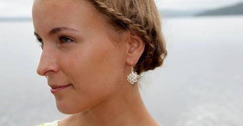 http://en.inarinhopea.fi/product/3/ice-crystal-drop-earrings