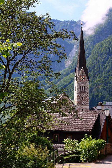 Iglesia evangelica de Hallstatt. Austria by Gil Cid de Diego on Flickr.