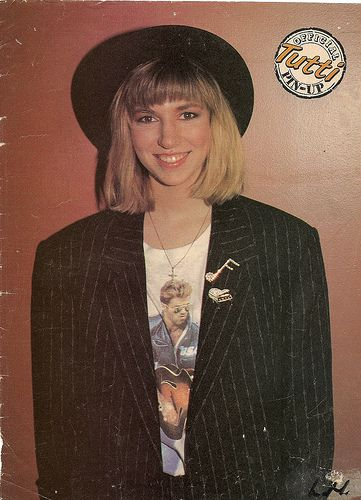 Debbie Gibson 80's fashion