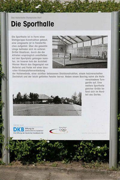 064 | 099 . ELSTAL.OLYMPISCHES DORF VON 1936.DIE SPORTHALLE                                                                                                                                                                                 Mais