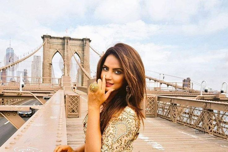 Bollywood actress Neetu Chandra is in San Francisco enjoying her summer holidays. (Photo: Instagram)