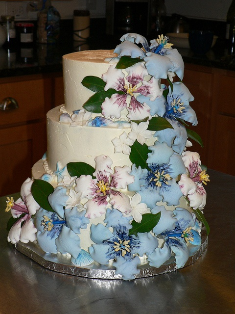 hibiscus wedding cakes best 25 hibiscus wedding ideas on hawaiian 15222