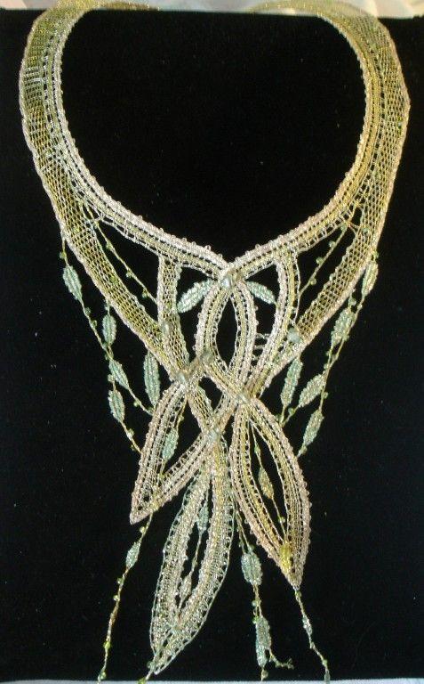 Necklace. Podvinek lace school Vamberk