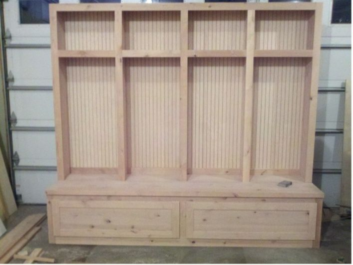 Mudroom bench woodworking plans entryway pinterest for Mudroom bench plans