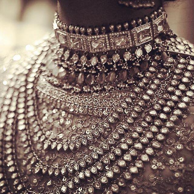 #Summer2016Campaign #HeritageBridal #Purist #Zari #MeenakariJewellery #BasraPearls #ColombianEmeralds @kishandasjewellery #KishandasForSabyasachi #IndianBride #TheSabyasachiBride @bridesofsabyasachi #Decadent #Exquisite #Timeless #OldWorldGlamour #Maharani #HandCraftedInIndia #MadeInIndia #MakeInIndia #TheWorldOfSabyasachi #TheSabyasachiFlagShipStoreNewDelhi @sabyasachidelhi @bridesofsabyasachi #TheSabyasachiBride