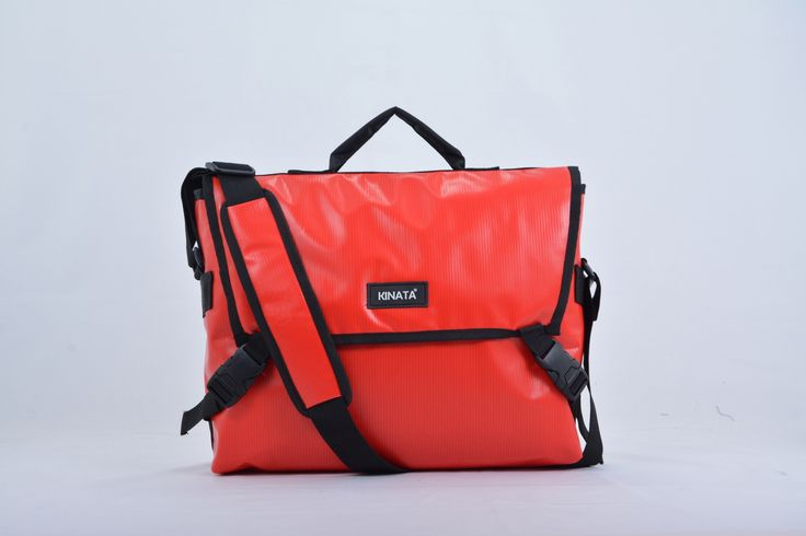 Marva red , Messenger bag , weatherproof , waterproof , kinata , dry pack , dry bag