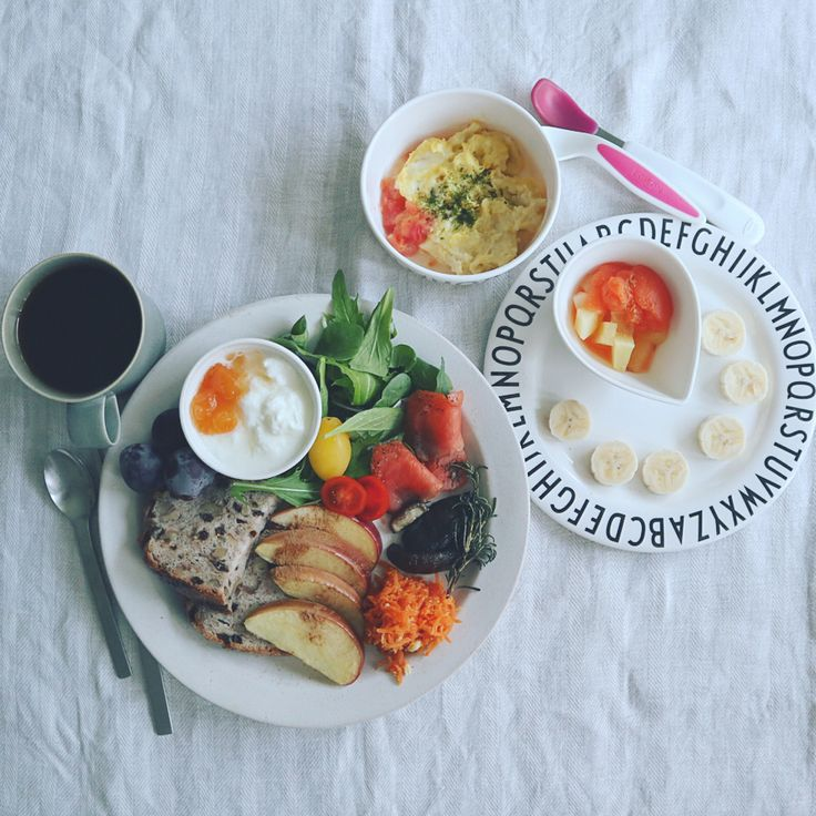 "좋아요 220개, 댓글 16개 - Instagram의 @m.omoyn328님: "". . 今日の朝ごはん. . 朝5:30、ギャン泣き起床で授乳した後だったので娘ちゃん軽め朝ごはん. 嘔吐のあった日曜からほとんど食べずお粥は撃沈し続けてるからパンがゆにトライ.…"""