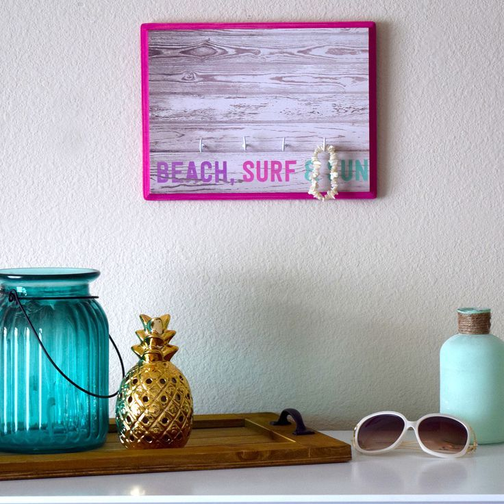 Beach, Surf, Sun Organizer - How cute is this for hanging sunglasses on!
