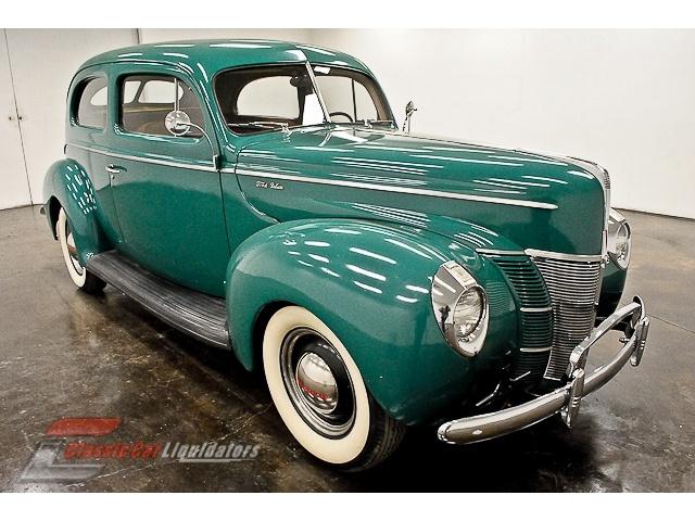 Ford Tudor Sedan 1940 restaurée  Ac3c875dd4275d326838da78b3f5c0fd--antique-cars-vintage-cars