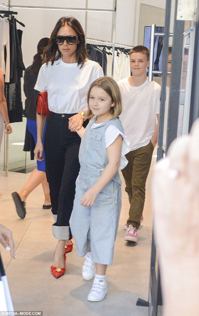 65583fc669 Victoria Beckham cuts a stylish figure shopping in Sydney with Harper and  Cruz