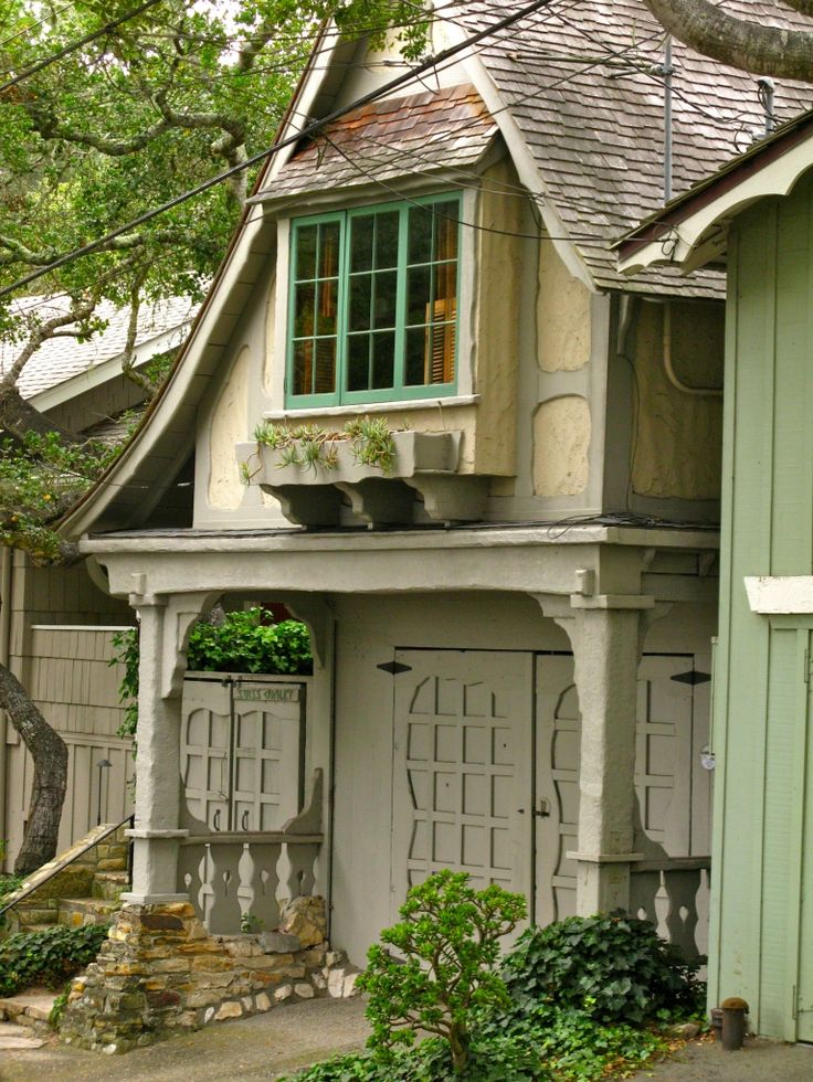 Cottage it would do pinterest cottages garage and for Garage cottage