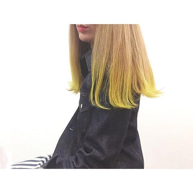WEBSTA @ changmiyan - .今回はキイロいれた.#hairstyle#ヘアースタイル#헤어스타일#haircolor #ヘアカラー#オンカラー#マニックパニック#黄色#yellow#ブリーチ#ブリーチカラー #헤어#헤어컬러