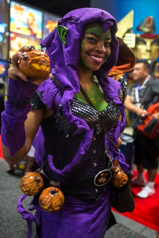 Lady Green Goblin (I LOVE her makeup!!) - The Comic-Con 2013 Cosplay Gallery (850+ Photos) by Norman Chan