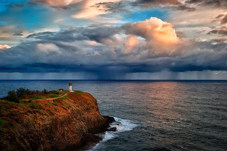 Volando sobre la espectacular costa de Nā Pali ~ Atlas of Wonders