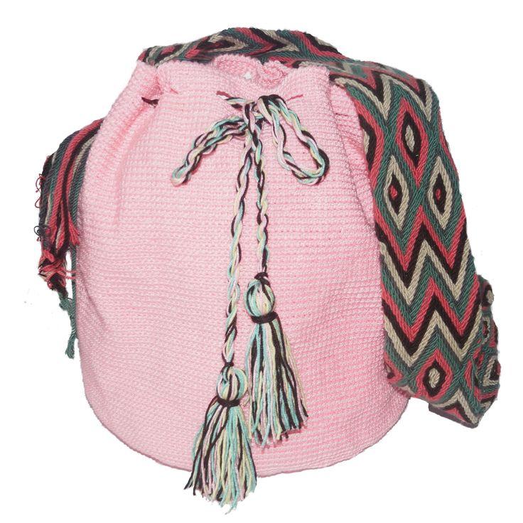Nueva mochila disponible en nuestra tienda. Comprala aquí -> http://ctejidas.mercadoshops.com.co/mochila-wayuu-azul-67823307xJM