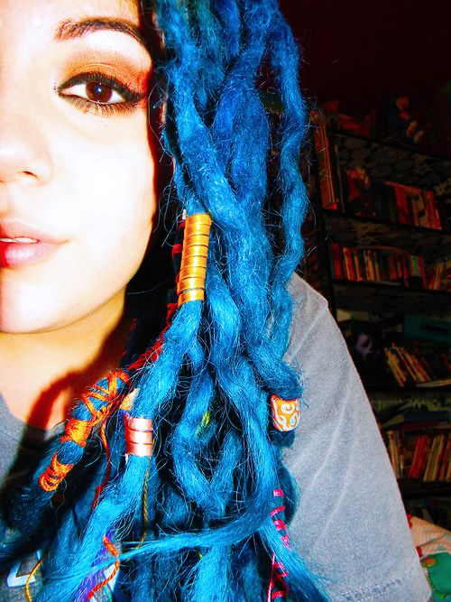 blue dreads!!!!!!!!!!!!!!!!!!!!!!!!!!! I WANT THEM!!!!!!!!!!!!!!!!