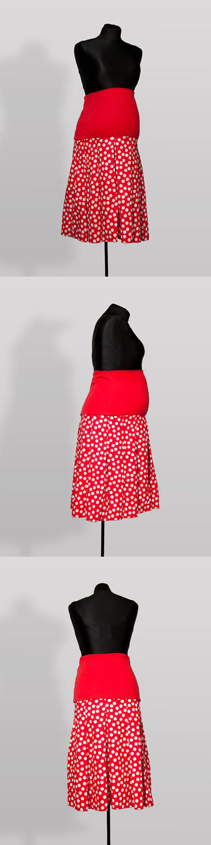 SK002 – Sukně Červená šedesátá Těhotenská sukně z bavlněné látky s pružným pásem Ideální do práce Pružný pás pro zvětšující se bříško Pás je možné nosit přes bříško nebo ohnutý Sukni je možné nosit i po těhotenství