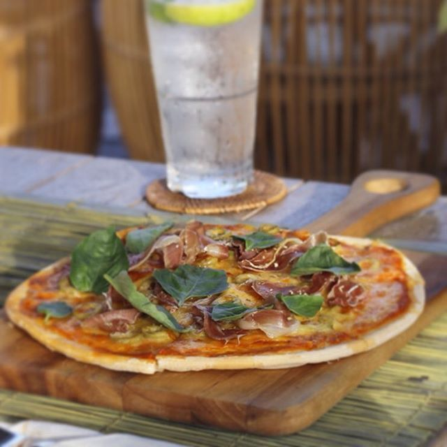 Welcoming August with our latest Jamon Basil and Mozarella Pizza, have it at The Pool Pavilion, served with tomato, oregano, green olive, and love. Pair it with the refreshing Lemon Squash, or Beer, or...The Pool. #summergoals  #Bismaeight  #luxuryhotel #copperkitchenandbar #foodies #ubud #bali #placetogo #invinitypool #bepartofourstory