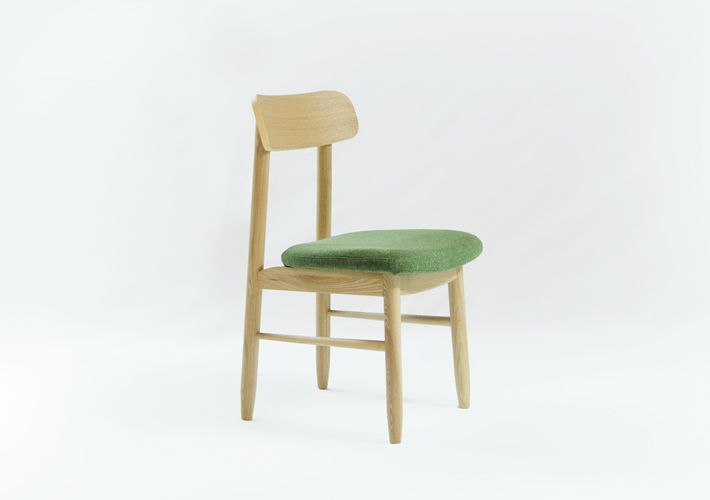 http://aptliving.com.au/products/saya-dining-chair/
