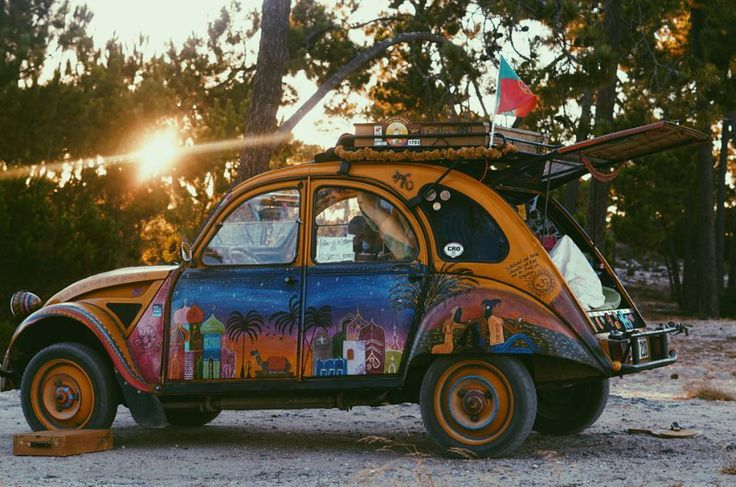 Create your own world enjoying our #2CV with family and friends ! Thank you @sunnys_journey for sharing us this peaceful and creative