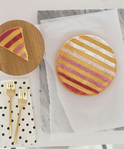 Cake met een gestreepte topping | ELLE Eten