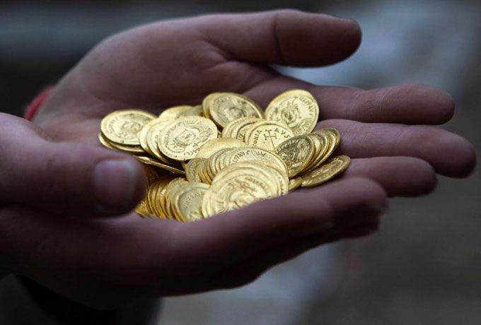 Почему нельзя подбирать найденную монету? То, о чем знают не многие…