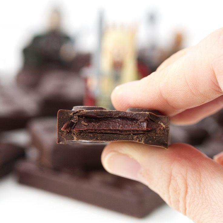 Postreadicción: Galletas decoradas, cupcakes y cakepops: Bombones rellenos de ganaché de frambuesa