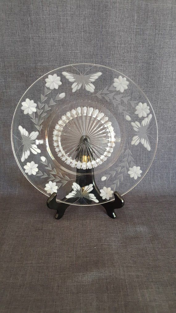 This Is A Beautiful Vintage Etched Glass Plate The Plate Has A