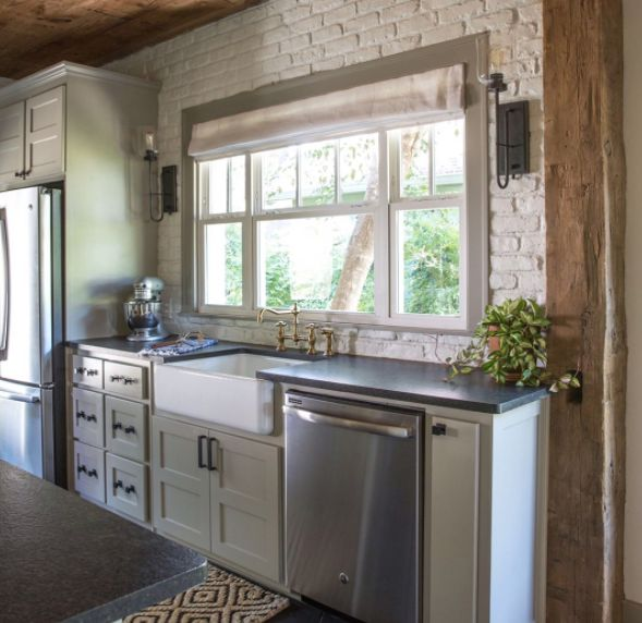 Fixer Upper Kitchen Backsplash: By Now, You Already Know Chip And Joanna Transform Less