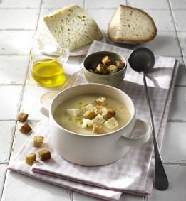 Przepis na Krem z jabłek łąckich #ChOG i selera z serem korycińskim swojskim #ChOGi grzankami z chleba prądnickiego #ChOG