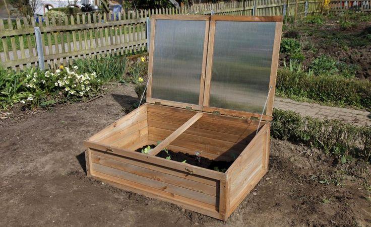Wenn Sie das Frühbeet jetzt aufbauen und vorbereiten, können Sie darin schon in wenigen Wochen das erste Gemüse aussäen.