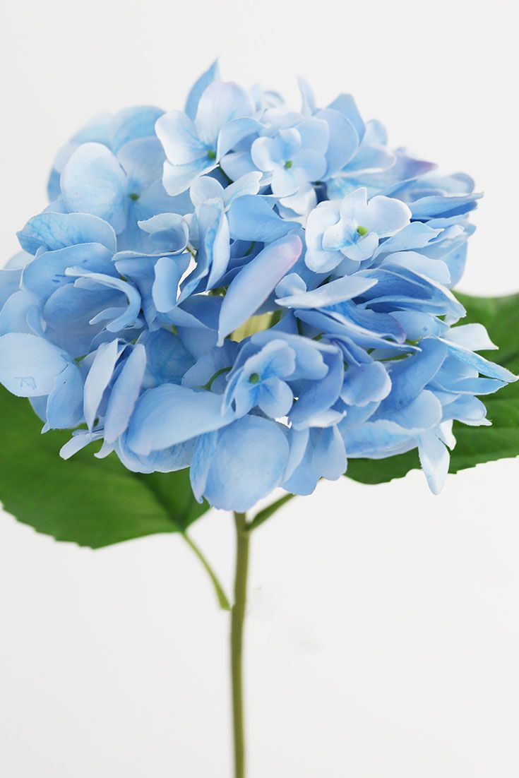 Artificial Hydrangea Flowers In 2020 Artificial Hydrangea Flowers Silk Hydrangeas Artificial Flowers