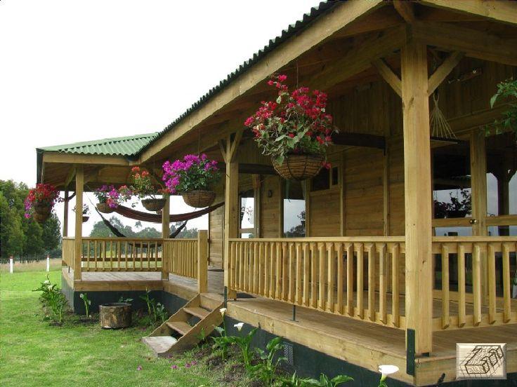 Corredor Casa 116 TDE #woodarchitecture #wood #madera #casasenmadera #arquitecturaenmadera http://www.tallerdensamble.com