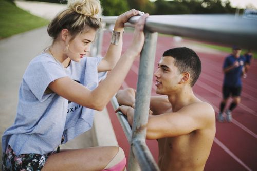 """college guys dating high school Maybe junior year of college who cares, so you're the guy who likes emo girls my firsti guess you could call her """"love"""", in high school crushed me a pingback: 5 clear-cut signs you're dating the wrong girl 