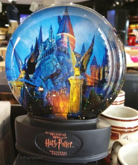 Glass Snow Globe Hogwarts Castle Night Photo Harry Potter Universal Studios NEW - Harry Potter