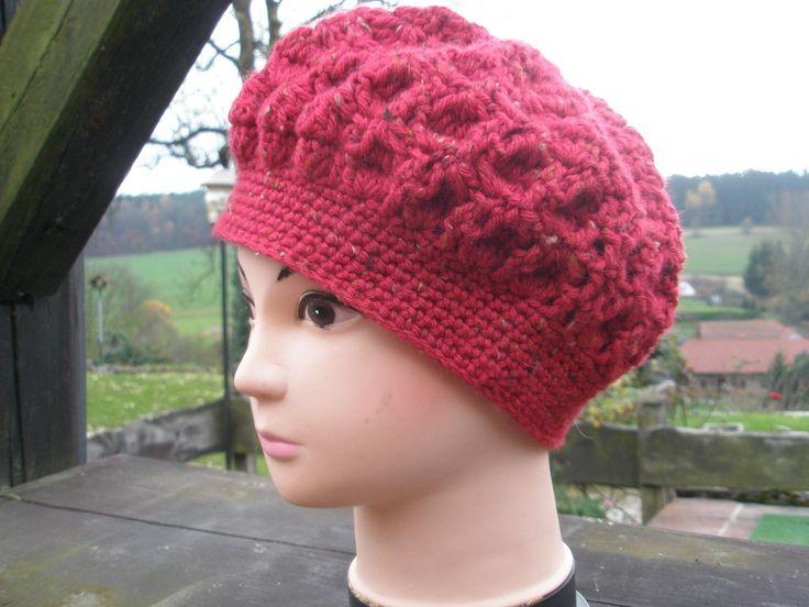 Háčkovaná čapka červená, vlněná