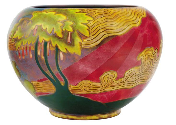 Zsolnay - Kaspó napkorong panorámaképpel, zsolnay, 1900  Fazonszám: 644, Magasság / 16 cm, szájátmérő / 16 cm Jelzés: domború körpecsét 14/L2,2m
