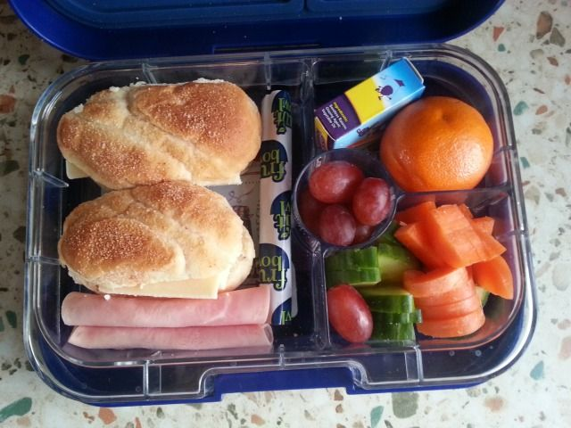 We've been checking out how Yumbox solves our lunchbox issues. Read a review of the Yumbox Panino here.